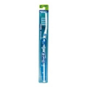 Oral B Advantage Glide Whitening Toothbrush
